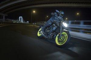 Yamaha-2017_0000_MT07_25