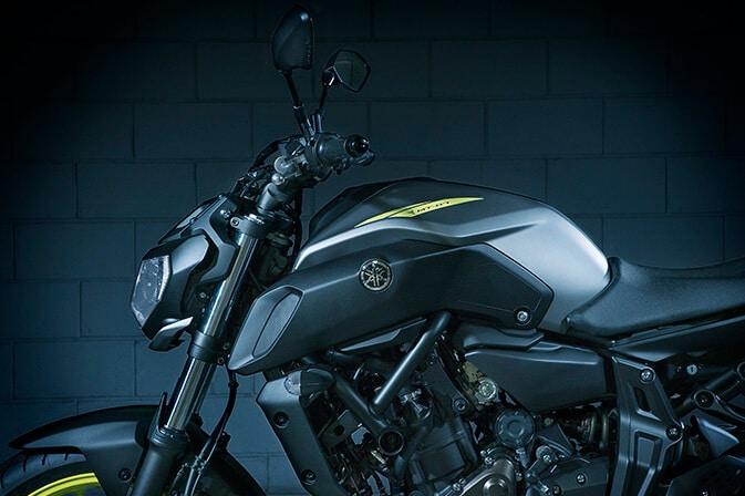 Yamaha-2017_0013_MT07_30