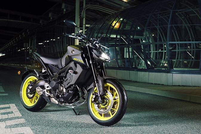 Yamaha-Resume-Col-MT09-5