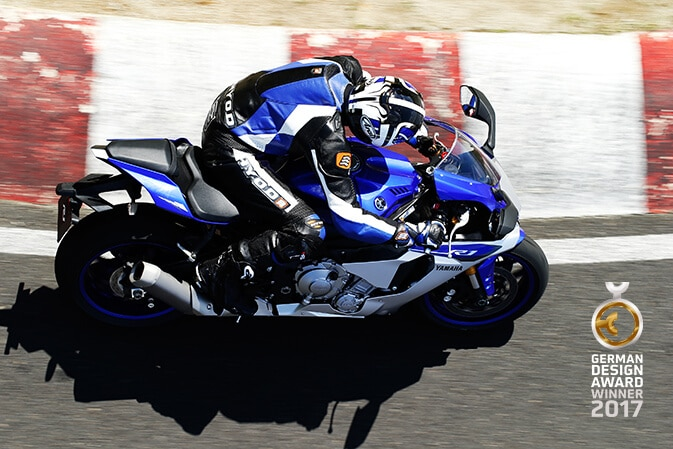 Yamaha-YZF-R1-German-Design-Award-4