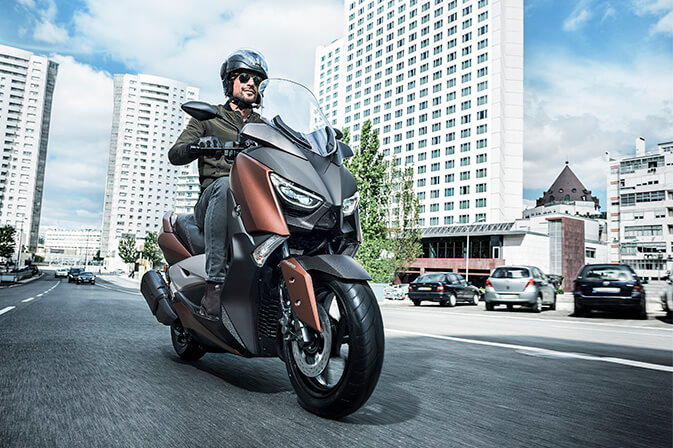 Yamaha-lanzamientos-global_0004_XMAX300