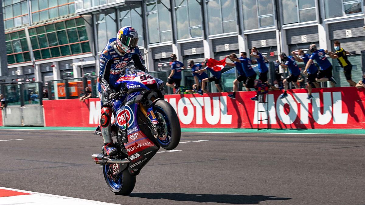 Yamaha imbatible en Magny-Cours WorldSBK